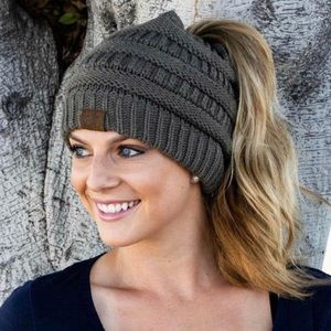 Women's Stretch Knit Messy Bun Ponytail Beanie